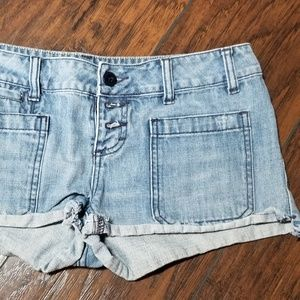 AMERICAN EAGLE SHORTIE CUFFED JEAN SHORTS A181